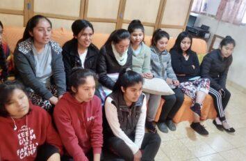 """Encuentro virtual con las universitarias de la Residencia """"Madre de Misericordia"""" en Sucre (Bolivia)"""